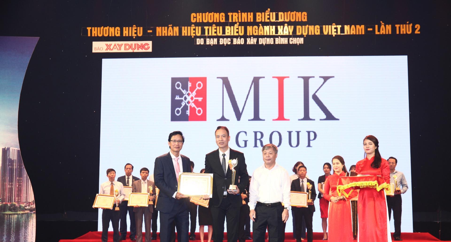 """MIK GROUP nhận danh hiệu Top 10 """"Thương hiệu – Nhãn hiệu tiêu biểu ngành Xây dựng lần II – năm 2017"""""""