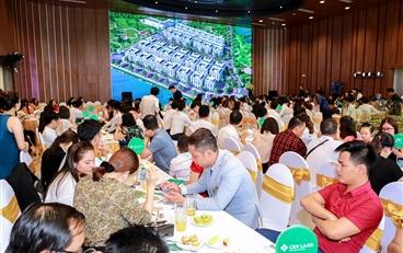 Hàng trăm người tìm hiểu căn hộ mẫu Imperia Smart City
